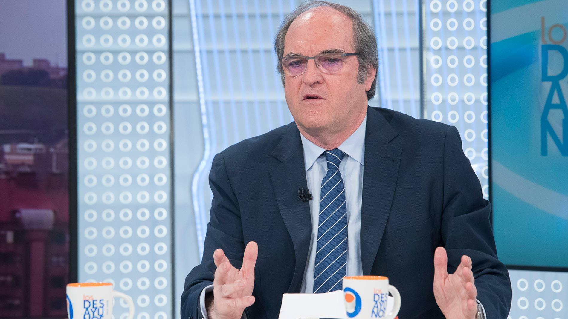 Gabilondo cree que no es comparable el caso del máster de Cifuentes con el currículum corregido de Franco