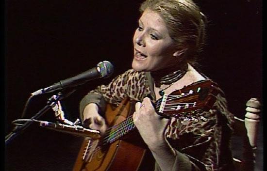"""Nosotros - Maria Garralón canta """"No matéis mi planeta"""""""