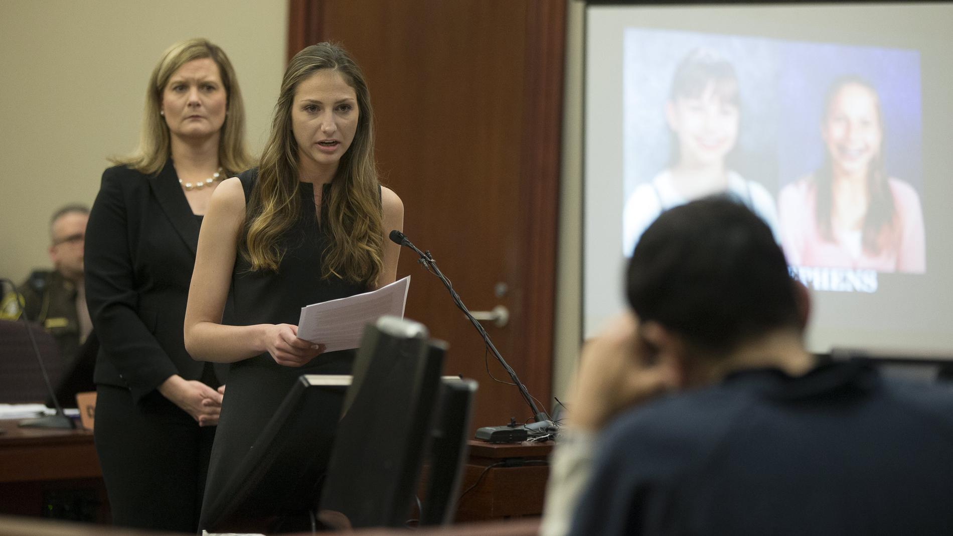 """Las gimnastas califican a Nassar de """"monstruo"""" en el juicio por abusos sexuales"""