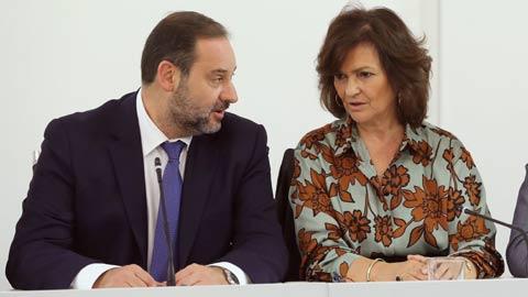 El Gobierno y el PSOE pactan elecciones en Cataluña para enero