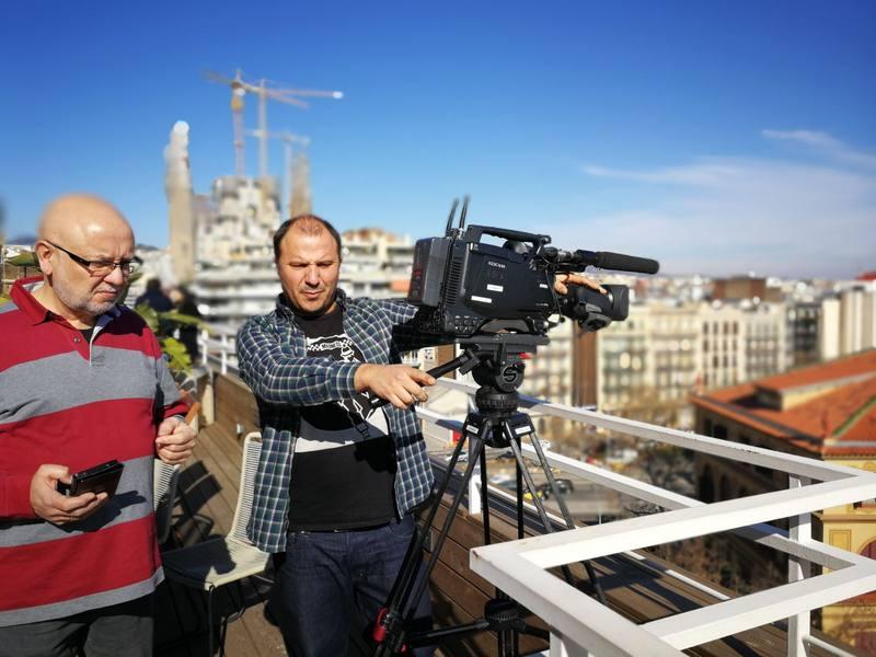 Grabando en la terraza de Cloud Coworking en Barcelona