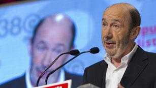 Griñán anuncia que Rubalcaba es el nuevo secretario general del PSOE