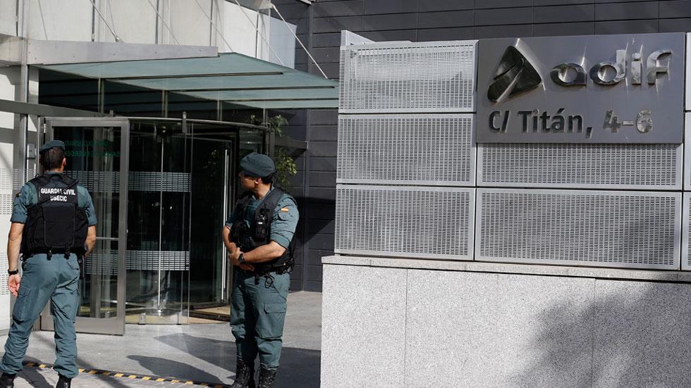La Guardia Civil detiene a 14 personas por un presunto sobrecoste de 82 millones en obras del AVE