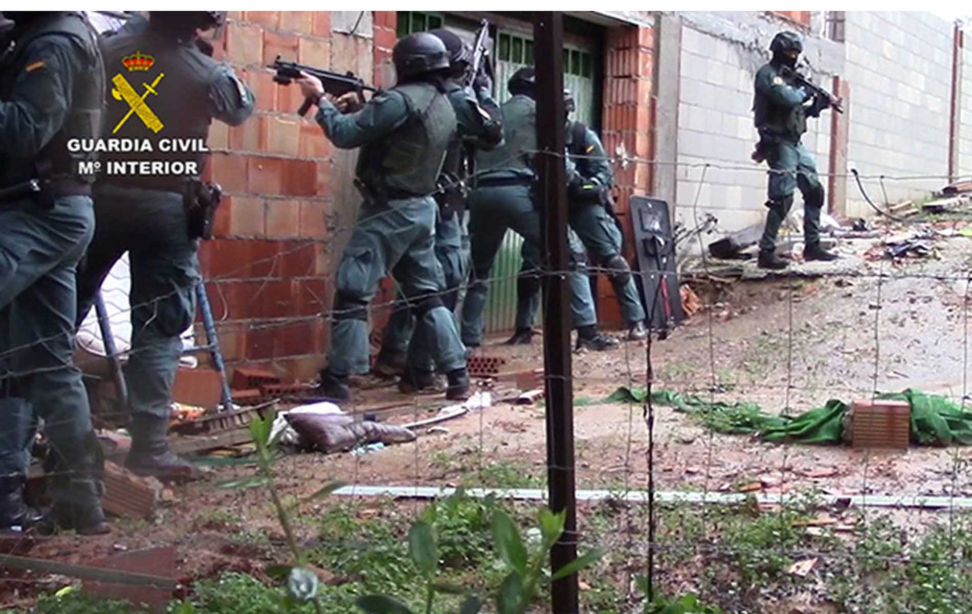 La Guardia Civil detiene a 57 personas en una operación antidroga en el Estrecho