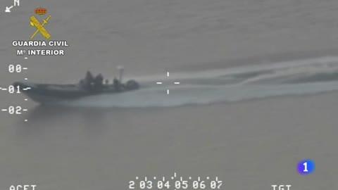 La Guardia Civil detiene a tres personas con seis toneladas de hachís en el Guadalquivir