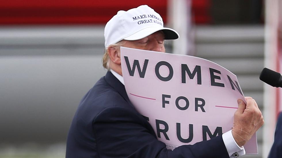 Hasta cuatro mujeres denuncian que Donald Trump las acosó sexualmente hace años