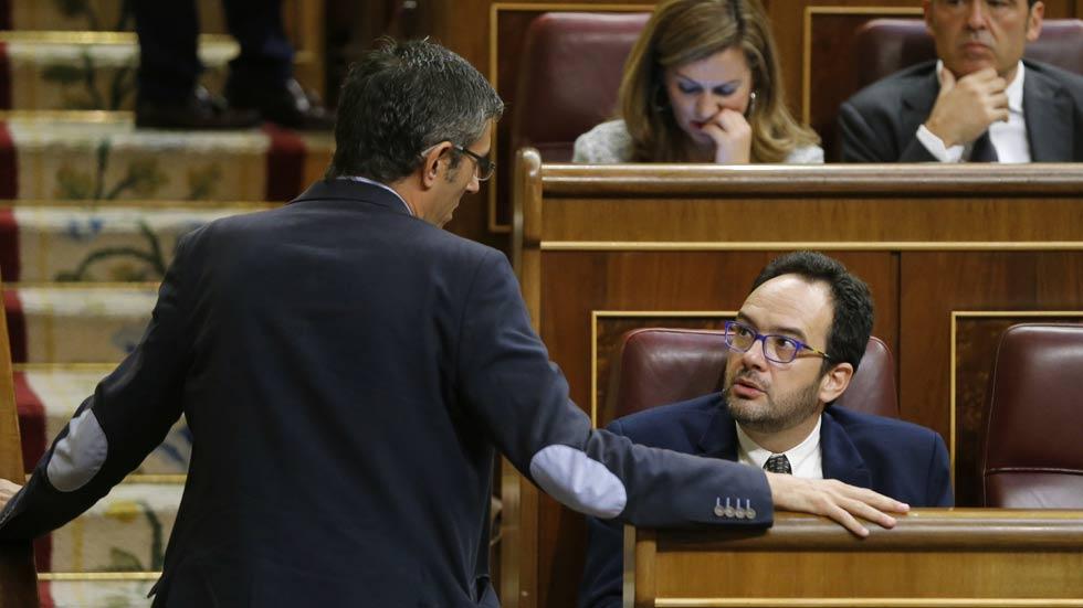 Hernando avisa a los diputados socialistas de que no es posible la libertad de voto en la investidura
