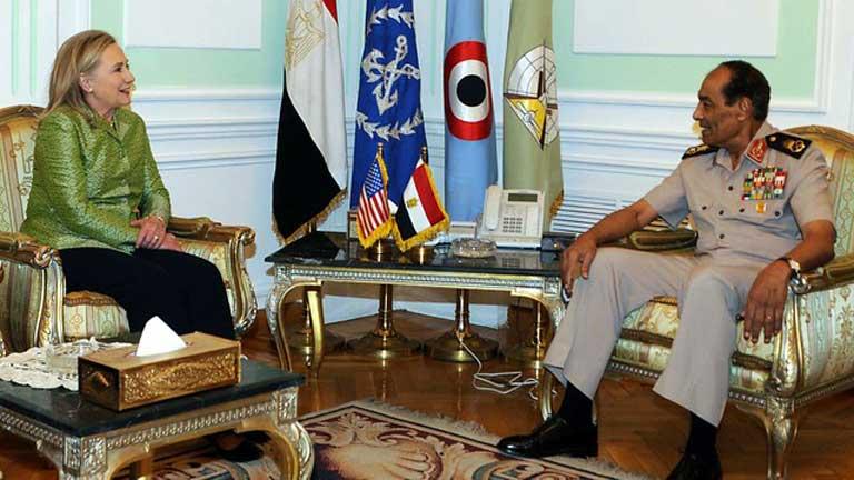 Hillary Clinton se reune con el nuevo presidente de Egipto