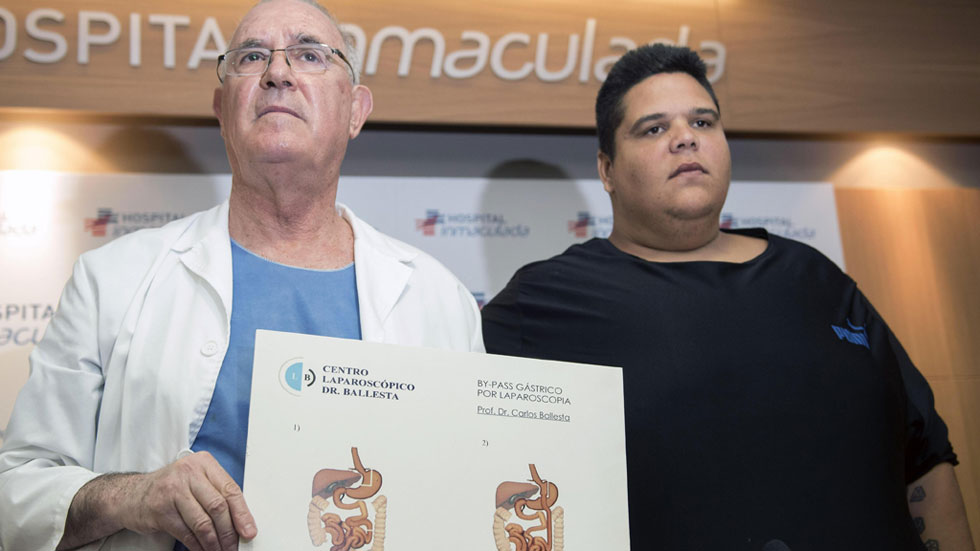 El hombre más obeso del país perderá 200 kilos tras ser operado con una novedosa técnica en Granada