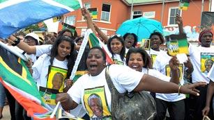 """La localidad sudafricana de Mthatha recibe a """"su"""" Mandela"""