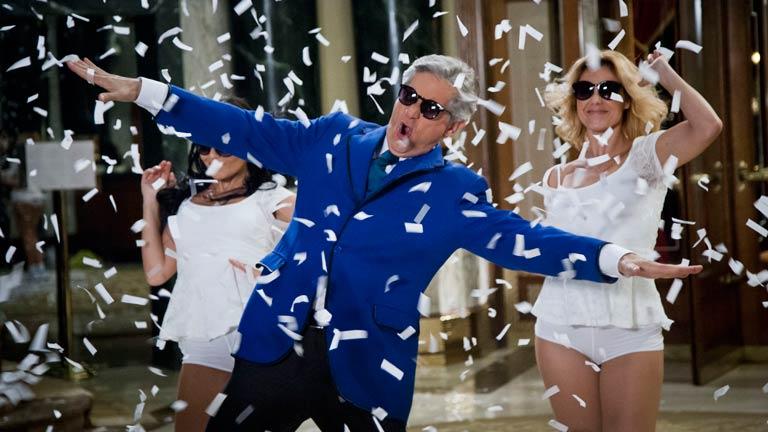 Especial Nochevieja 2012 - Hotel 13 estrellas 12 uvas - España style