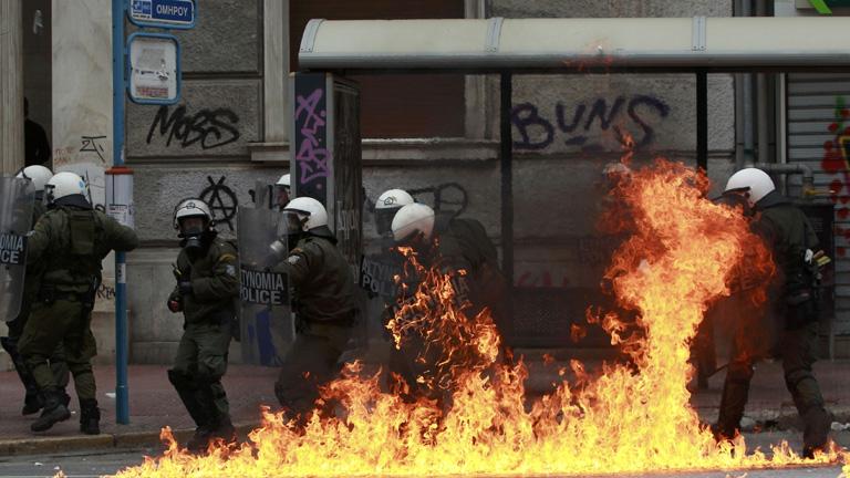 Las imposiciones de Bruselas dan con otra huelga general griega