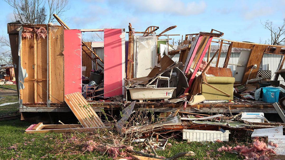 El huracán Michael se cobra la primera víctima y pierde intensidad a su paso por Florida
