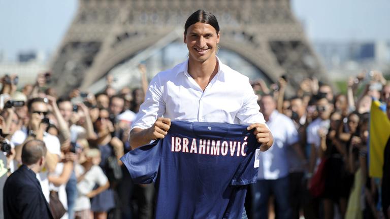 Ibrahimovic levanta pasiones en su presentación con el PSG