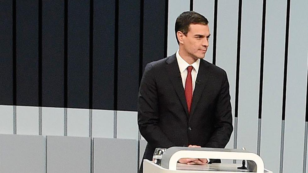 """Iglesias a Sánchez: """"Elija si quiere gobernar con nosotros o con el PP; se equivoca de adversario"""""""