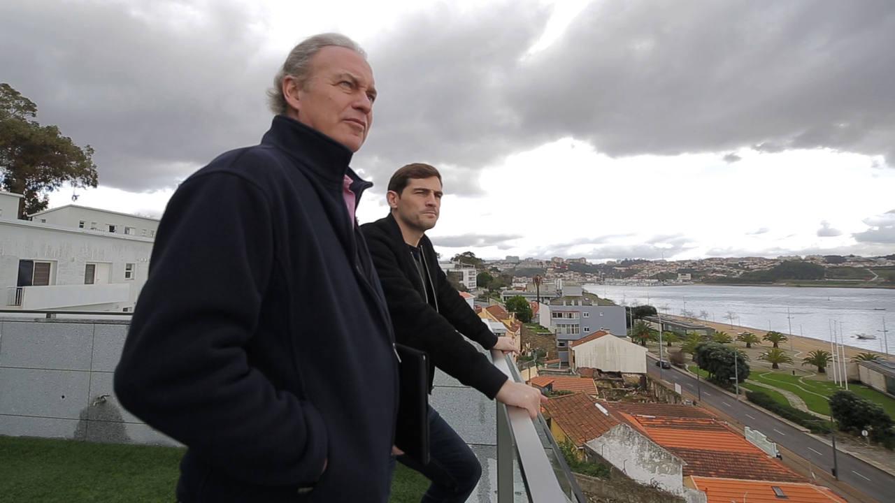 Iker Casillas recibe en Oporto a 'En la tuya o en la mía'