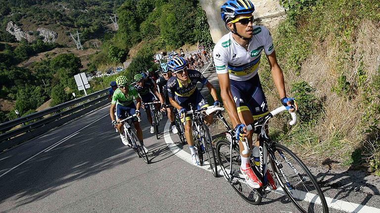 Las imágenes del ataque de Contador en la Collada de Hoz