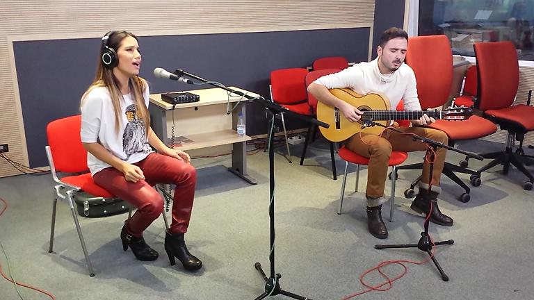 """Las mañanas de RNE - India Martínez interpreta en acústico el tema """"Olvidé respirar"""""""
