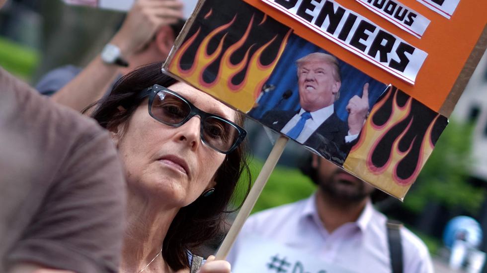 Indignación y decepción mundial tras la retirada de Trump del acuerdo climático