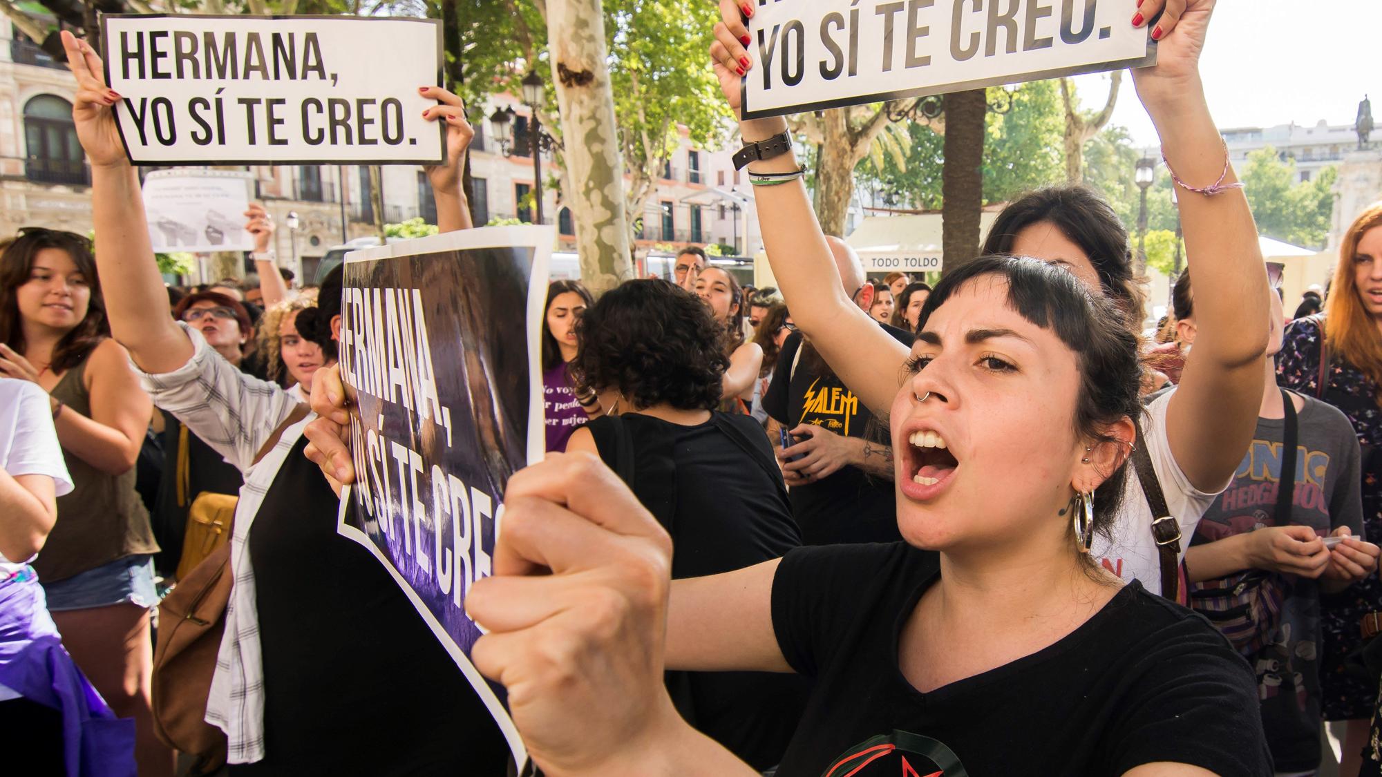 La indignación por la sentencia del juicio de 'La Manada' recorre las calles del país
