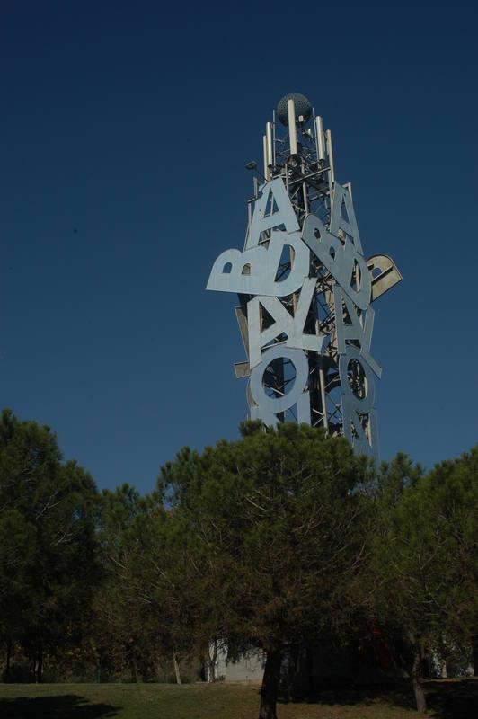 Una intervención de Joan Brossa en Badalona: el poema visual