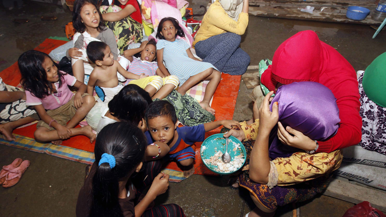 Aumenta el número de víctimas por las inundaciones en el sur de Filipinas
