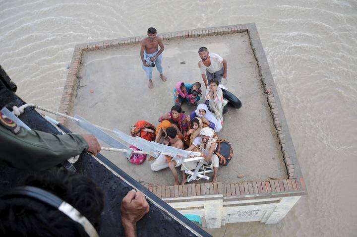 Más de 1.100 muertos y 2,5 millones de afectados por las inundaciones en Pakistán 1281026696696