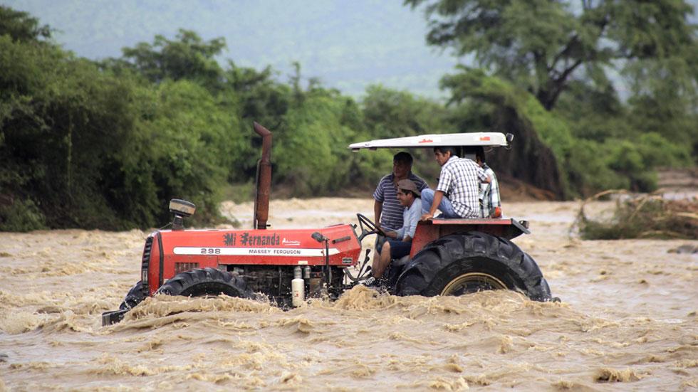 Las inundaciones en Perú podrían agravarse con nuevas lluvias y dejan a 12.000 familias sin hogar
