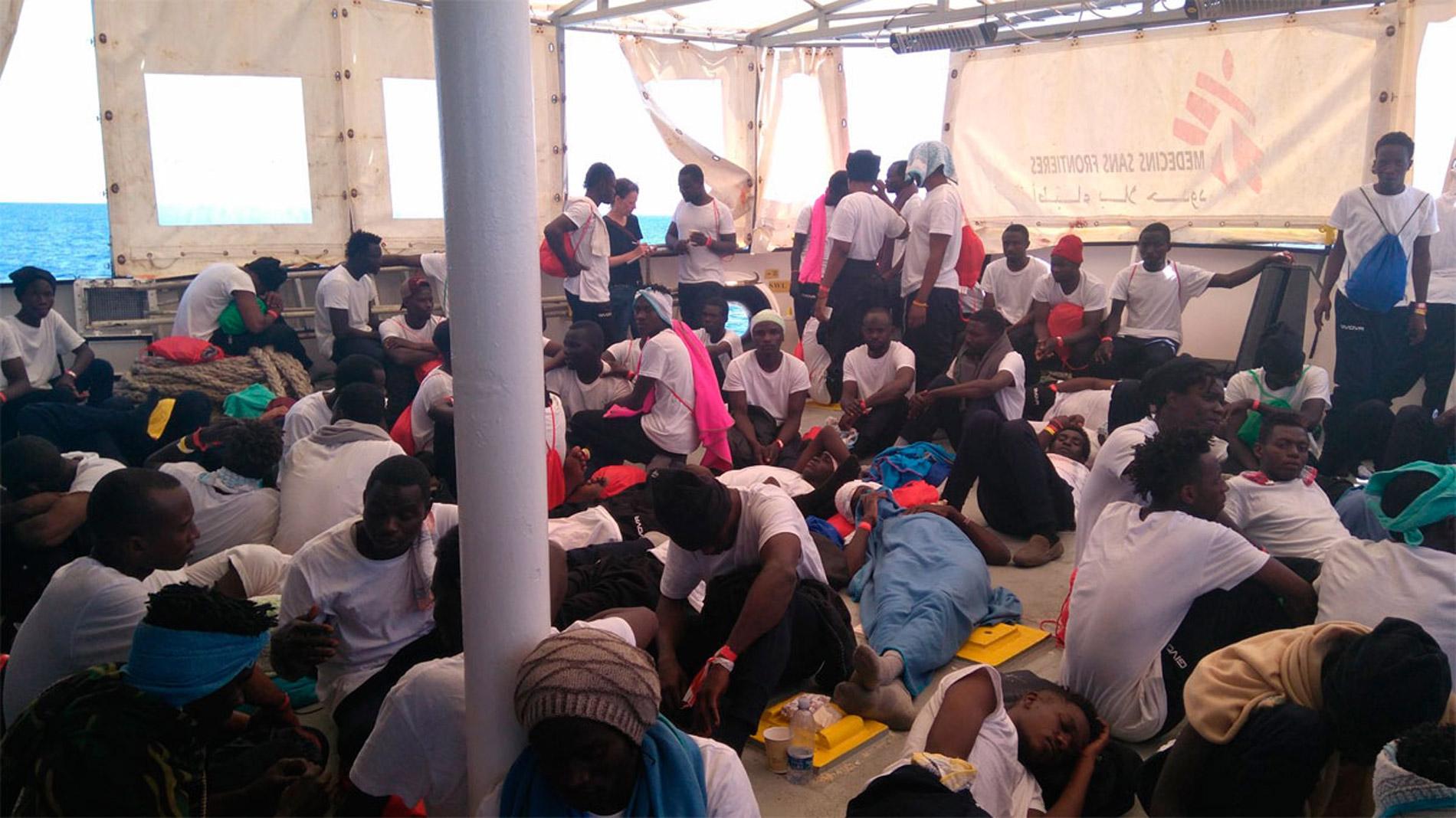 Italia no autoriza el desembarco de un buque de rescate con 629 inmigrantes a bordo
