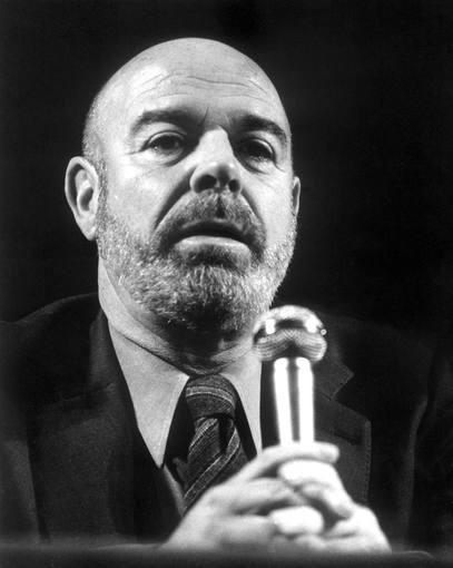 Jaime Gil de Biedma, uno de los poetas españoles más celebrados del siglo XX, falleció en 1990 a los 61 años