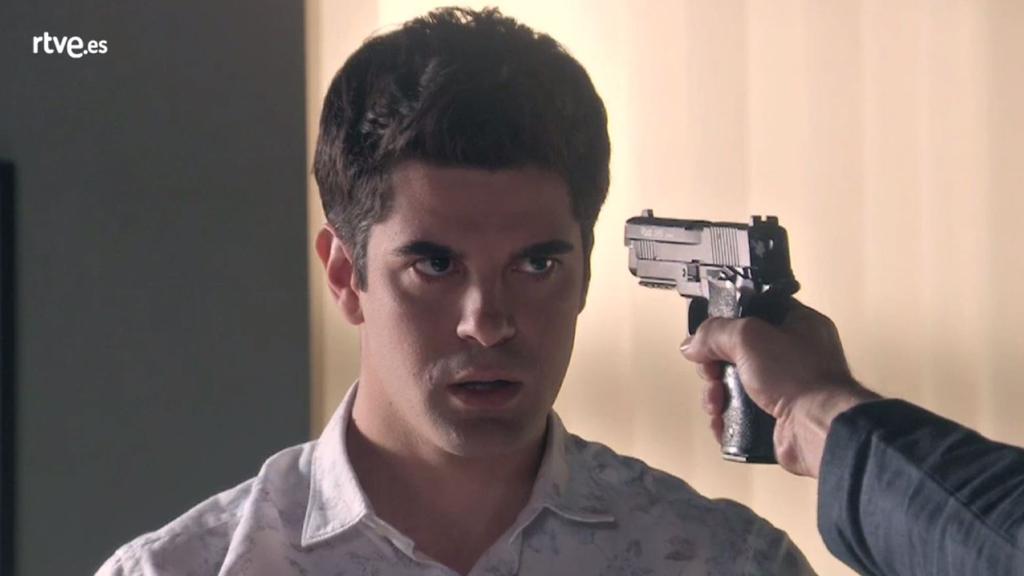 Servir y proteger - Jiménez amenaza a Julio