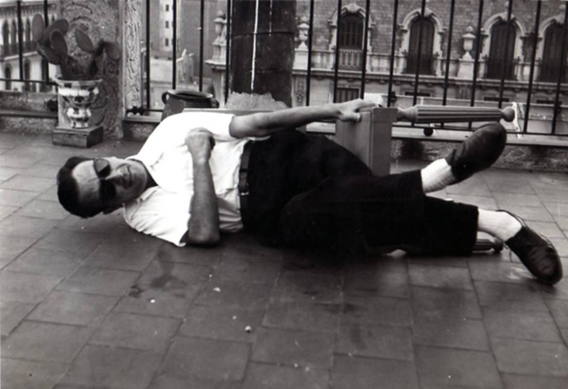 Joan Brossa cultivó desde el teatro de texto al 'strep-tease'