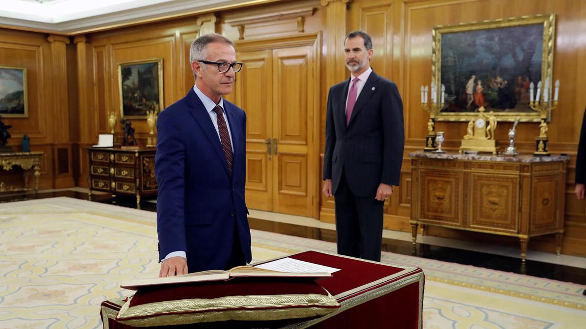 José Guirao promete el cargo como ministro de Cultura y Deporte ante el rey