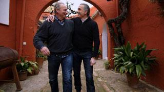 En la tuya o en la mía- Juan y Medio y Bertín Osborne reviven su grandes momentos en 'En la tuya o en la mía'
