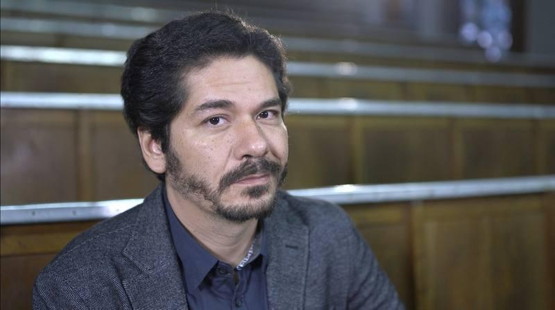 Juan Pablo Villalobos convierte el texto en un claro representante de la literatura mestiza