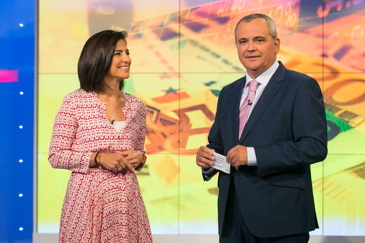 Juanma Romero, director y presentador de 'Emprende' junto a Beatriz Morilla quien dará consejos de gestión e inversión