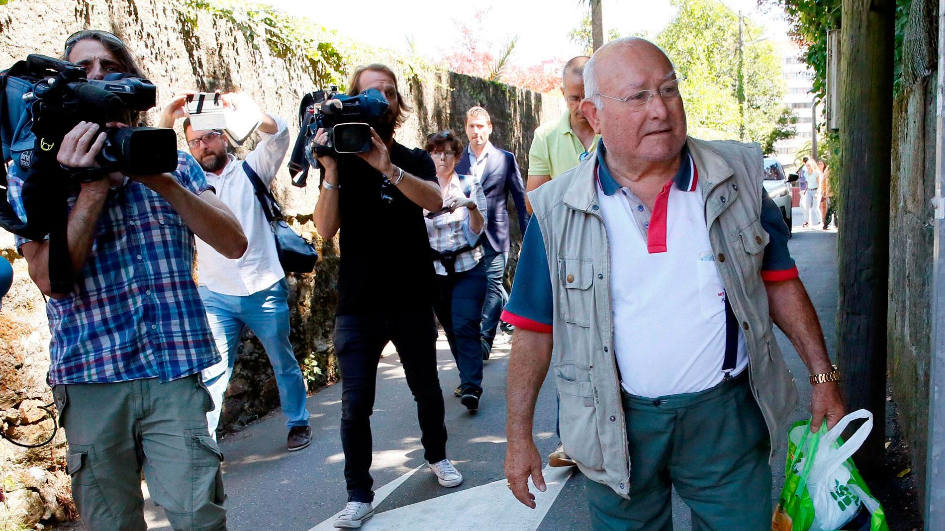 El juez deja en libertad con cargos al patriarca de los Charlines y a su hijo y envía a prisión a doce detenidos