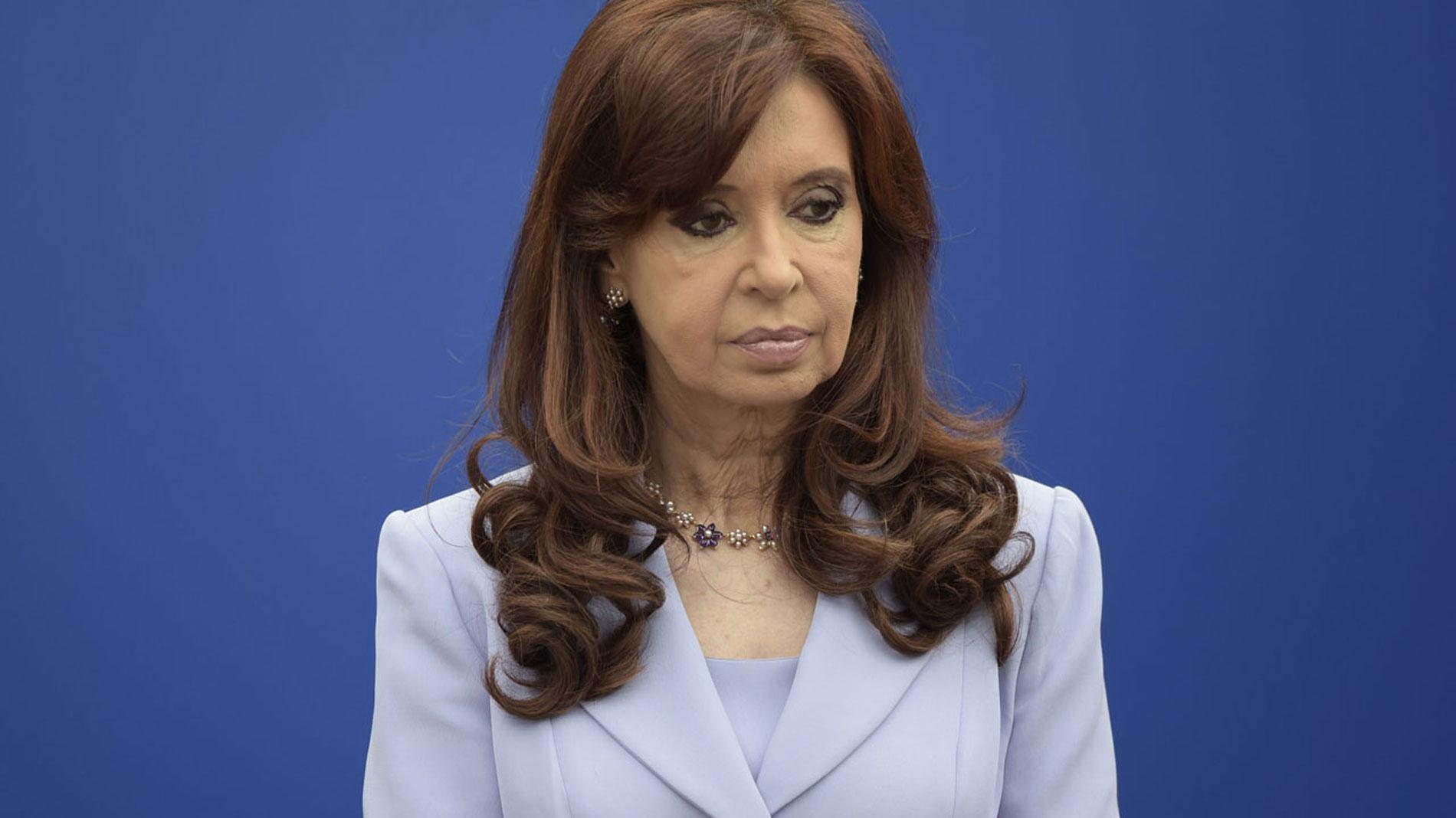 Un juez procesa con prisión preventiva a Cristina Fernández por un caso de sobornos