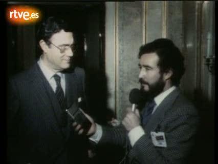 Julen Guimón, dueño del transistor a través del que se informaron los diputados durante el 23-F