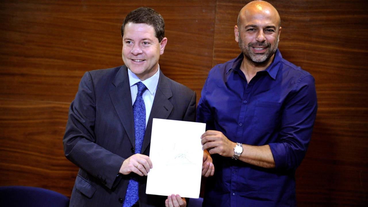 En junio de 2015 Podemos y PSOE firmaban un pacto de investidura en Castilla-La Mancha