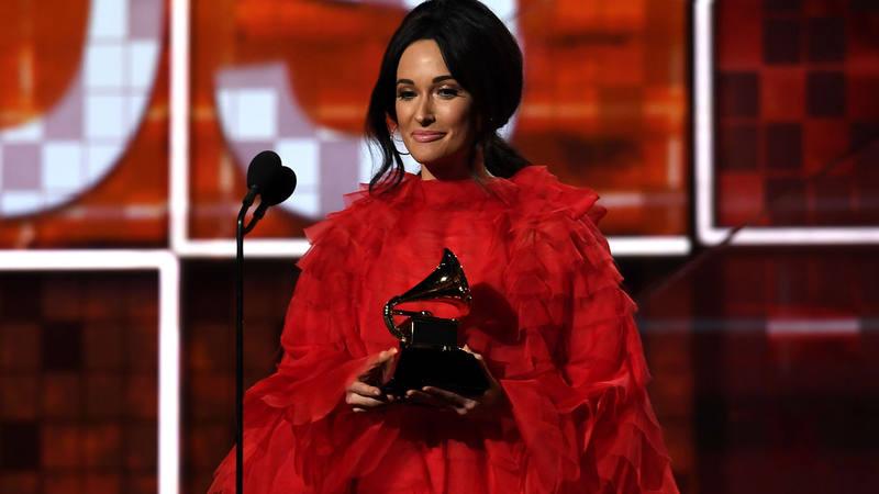 Kacey Musgraves reina en unos Grammy históricos para Cardi B y Childish Gambino