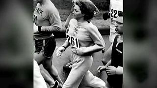 Kathrine Switzer, primera mujer que corrió un maratón, regresa a Boston 50 años después para hacer la misma carrera