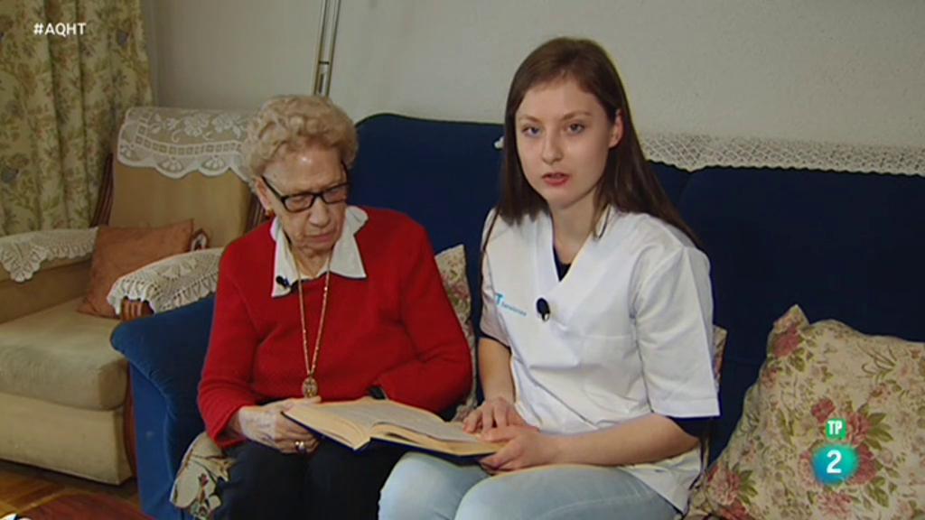 Kellys, empleadas de hogar, ayuda a domicilio... el trabajo de lAs que cuidan