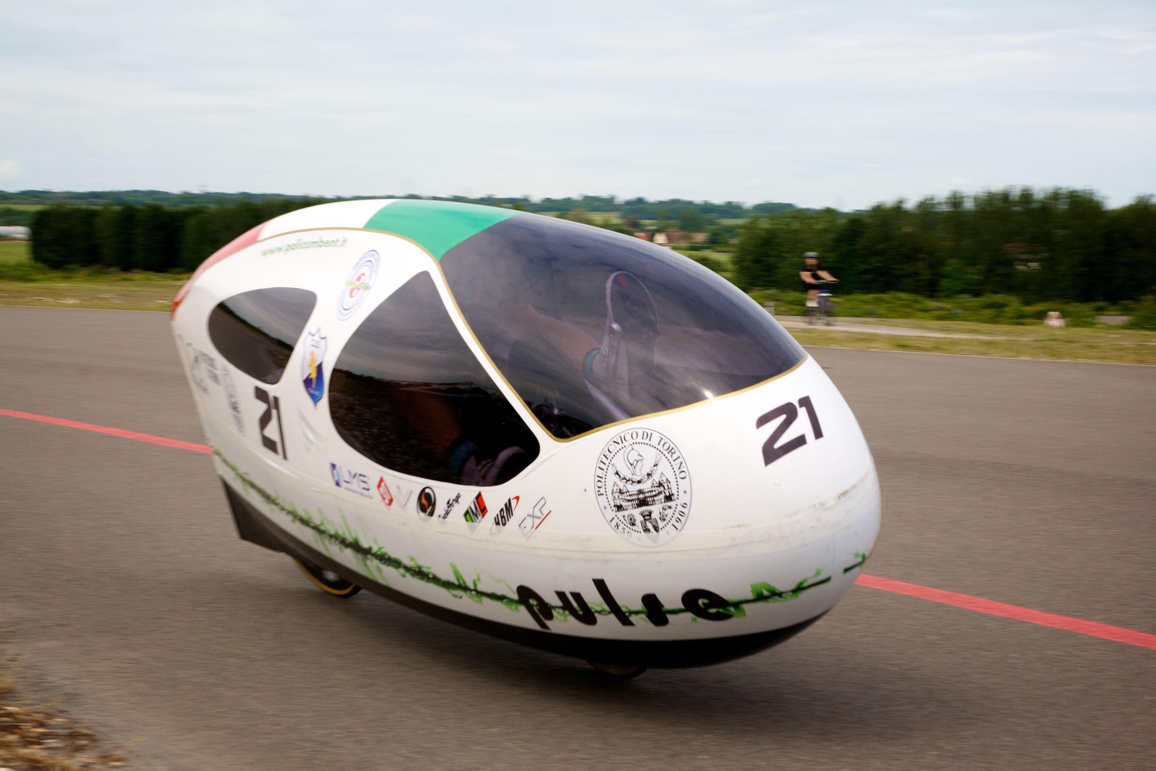 Kent acoge un campeonato de vehículos de tracción humana de ruedas