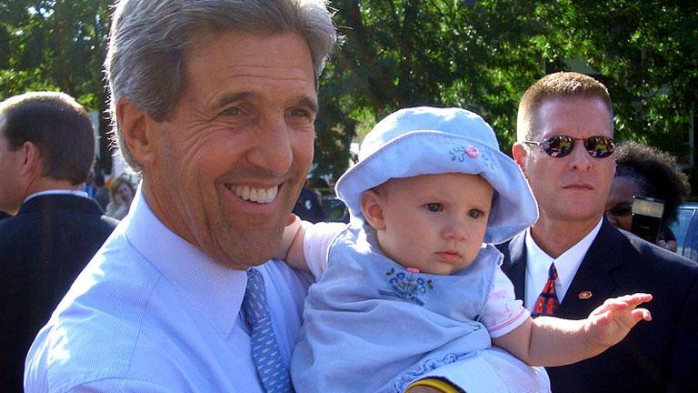 Kerry sella su victoria en el Supermartes de 2004