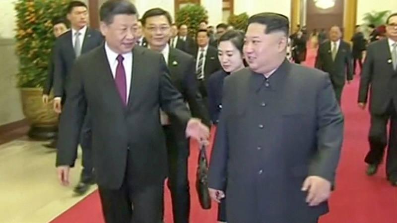 Kim Jong-un proclama en China su compromiso con la desnuclearización de Corea