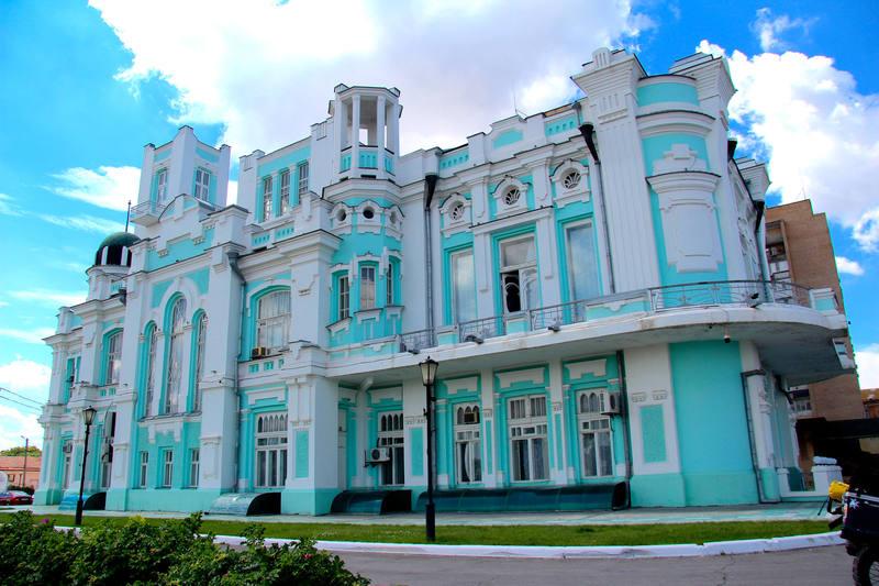 Llamativo edificio situado en Astrakhan, puerta hacia Oriente