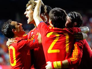Llorente adelanta de nuevo a España 2-1