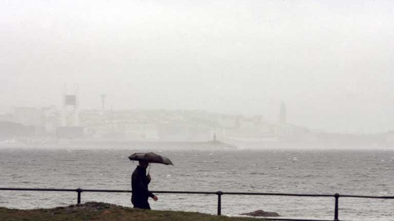 Lluvias débiles en Galicia y Asturias y despejado en el resto