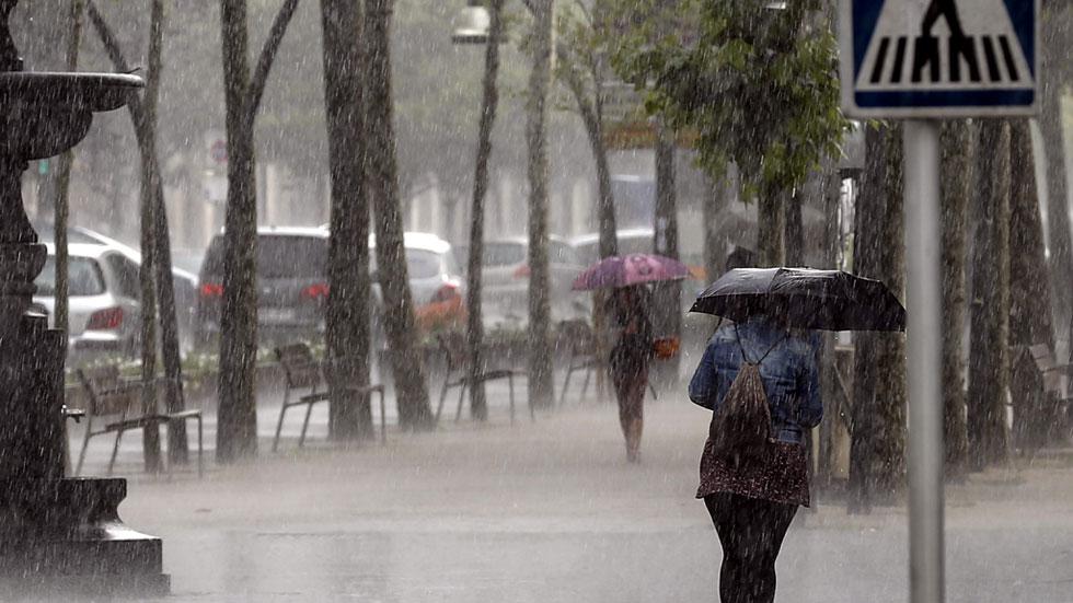 Lluvias en el norte y viento muy fuerte en Granada, Almería y Melilla